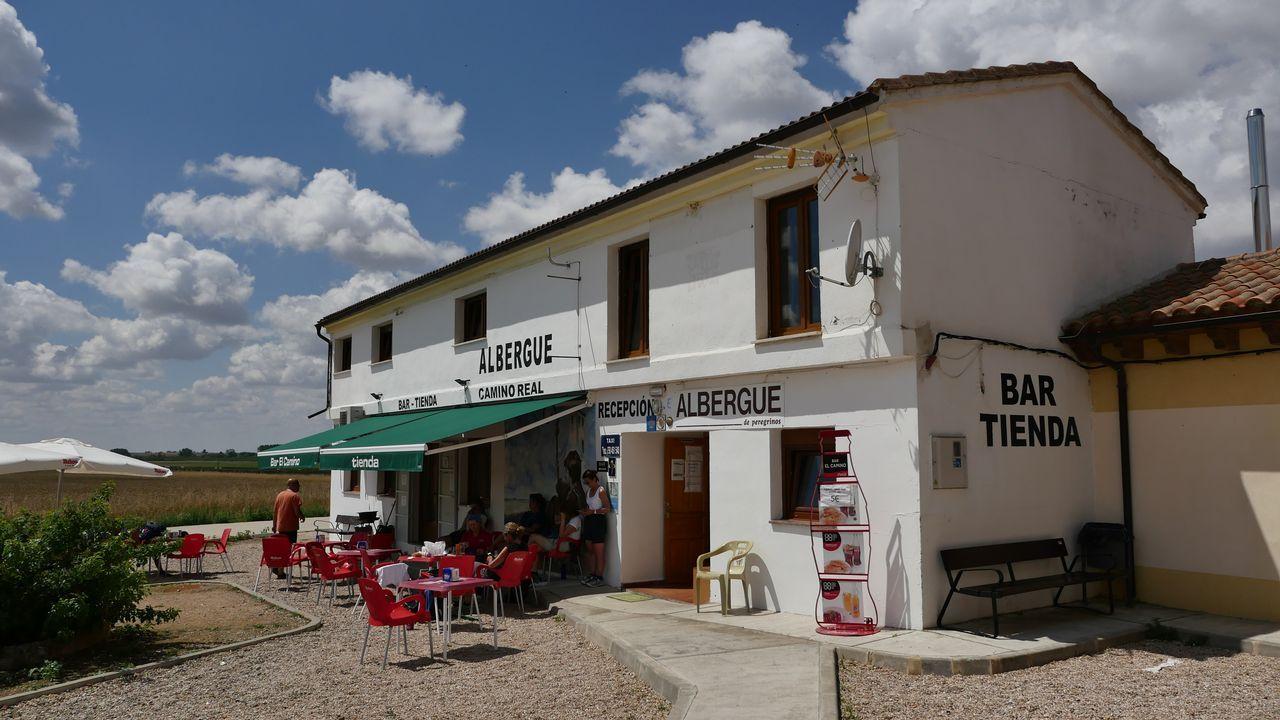 Albergue en Calzadilla de la Cueza con restaurante. Ejemplo de establecimiento volcado en el peregrino