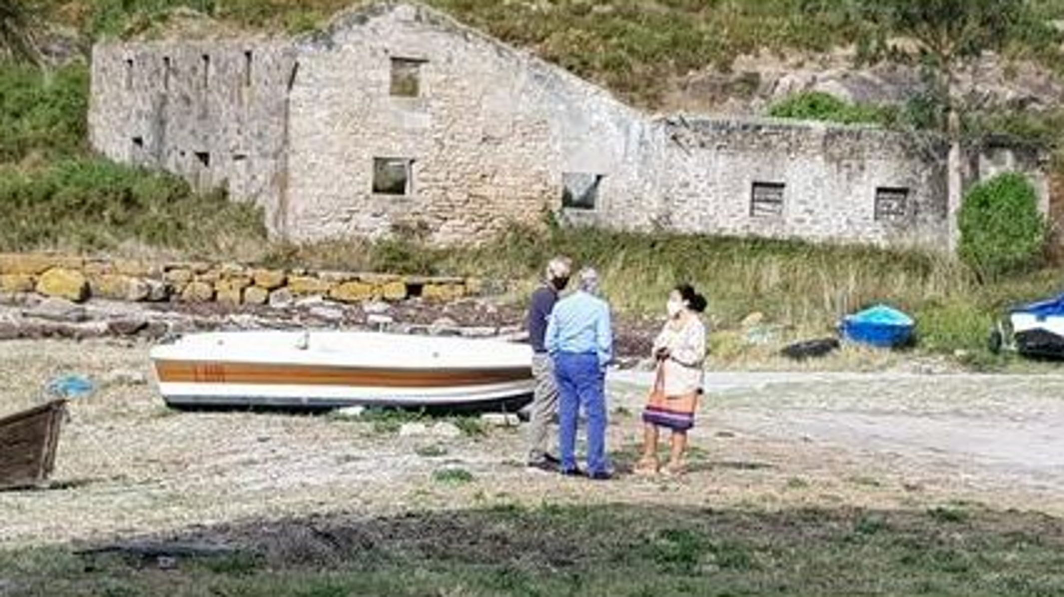 Trabajadores de Alcoa en Burela.Alcaldesa y Eimil, visitando Caneliñas