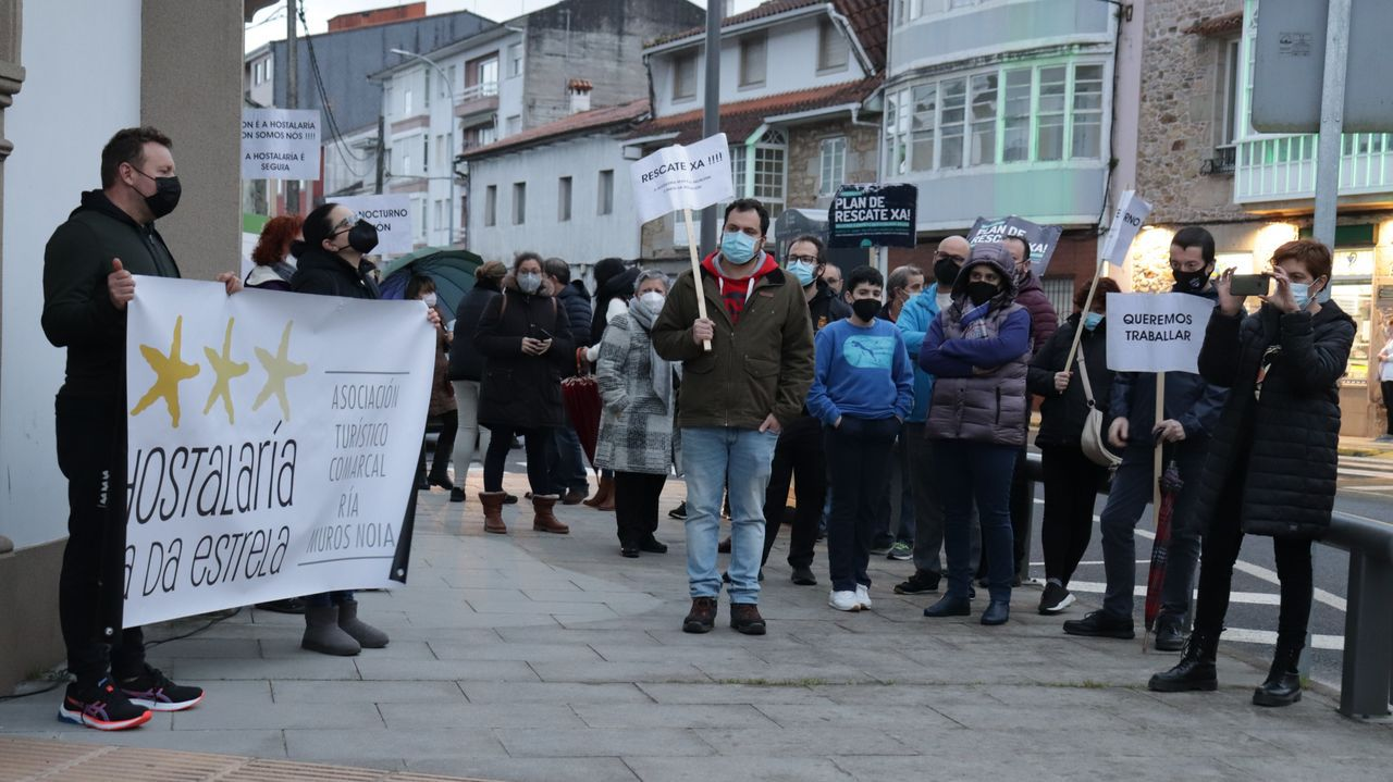 Hosteleros de Outes, Noia y Muros se manifestaron en el municipio outiense