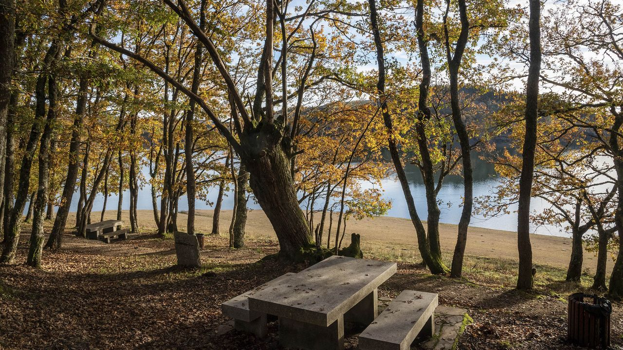 El Ayuntamiento quiere potenciar el aprovechamiento turístico de los paisajes del embalse