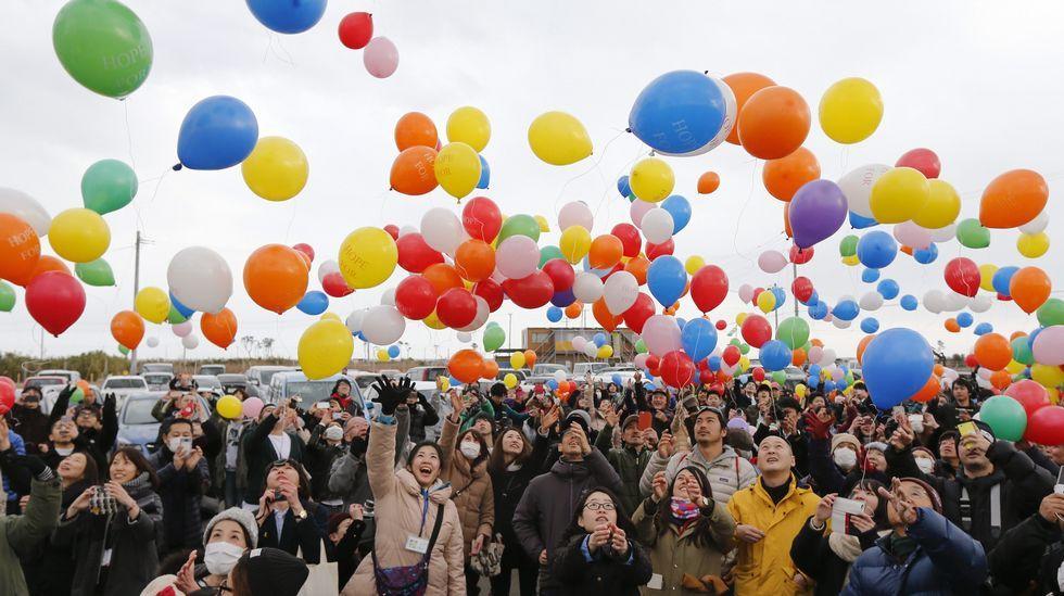 Suelta de globos durante uno de los actos celebrados en Miyagi en conmemoración a las víctimas del terremoto y posterior tsunami.