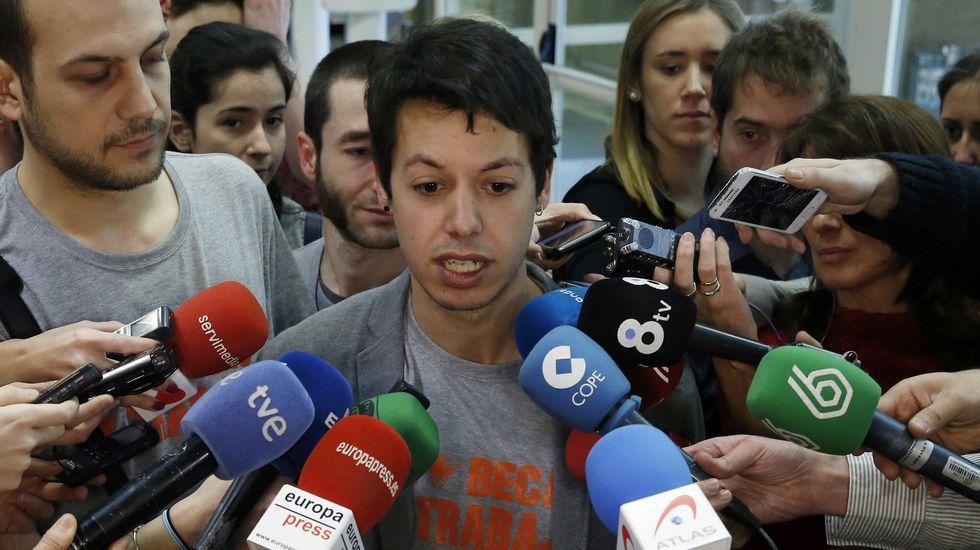 Inundaciones en la Variante de Pajares.El diputado de Podemos por Asturias Segundo González
