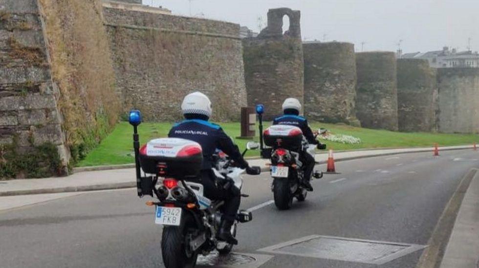 Agentes de la Policía Local de Lugo patrullando