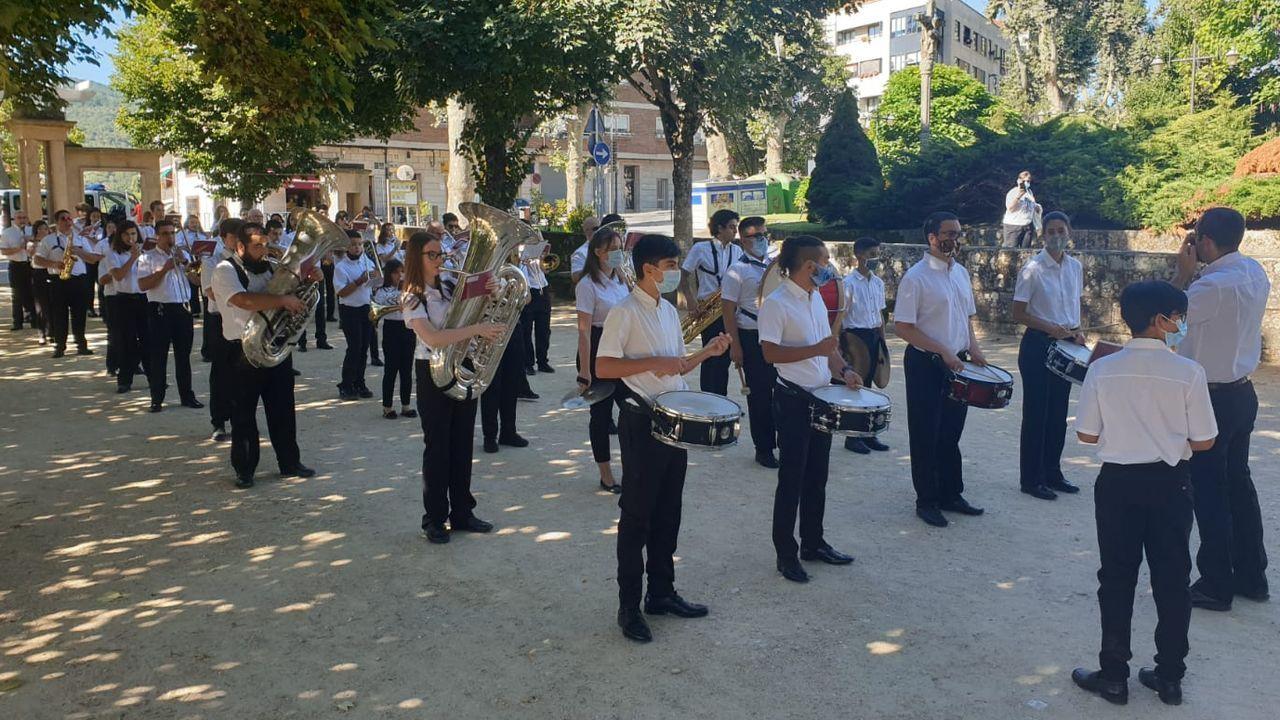 Actuación da Unión Musical Allariz durante o verán