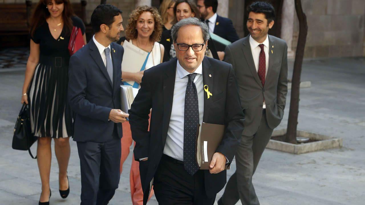 El consejero de Economía, Pere Aragonès, y Quim Torra, en la reunión de ayer del Gobierno catalán