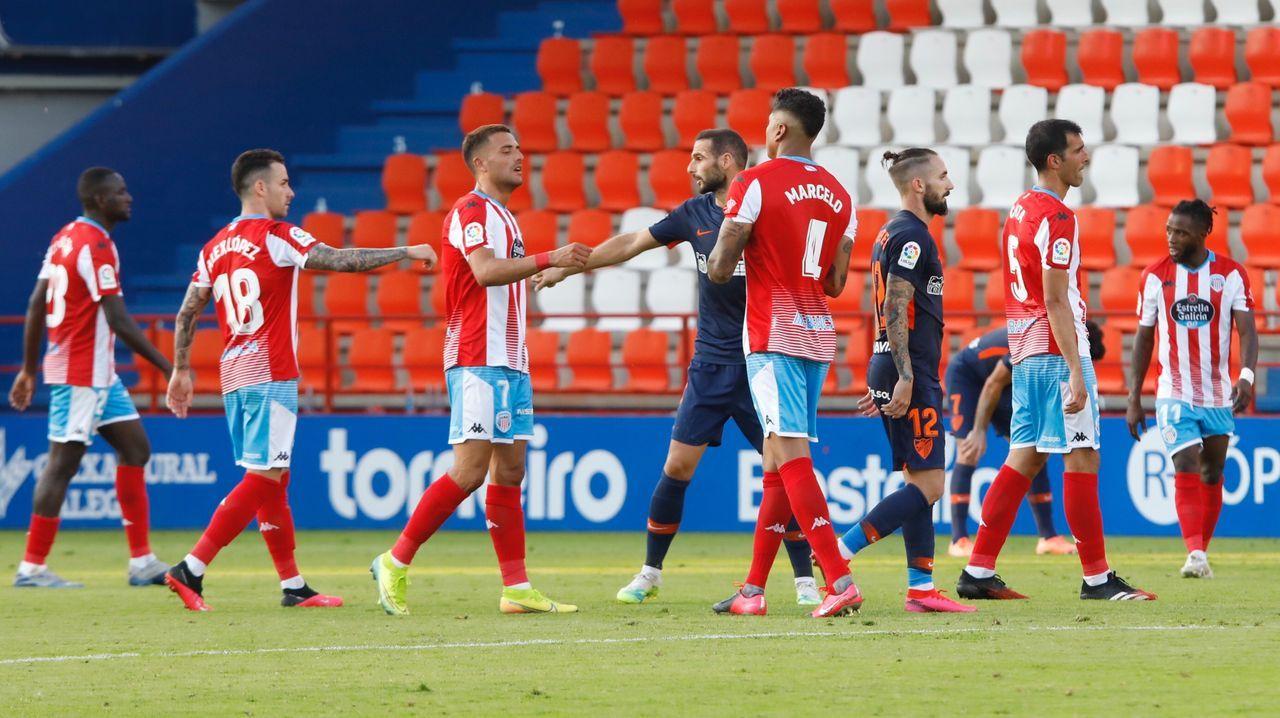 Partido entre el Lugo y el Málaga en el Ángel Carro