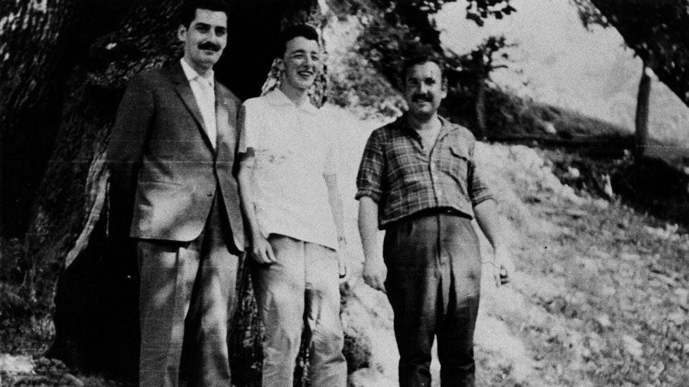 Manuel María con con Arcadio López Casanova e Uxío Novoneyra no Courel