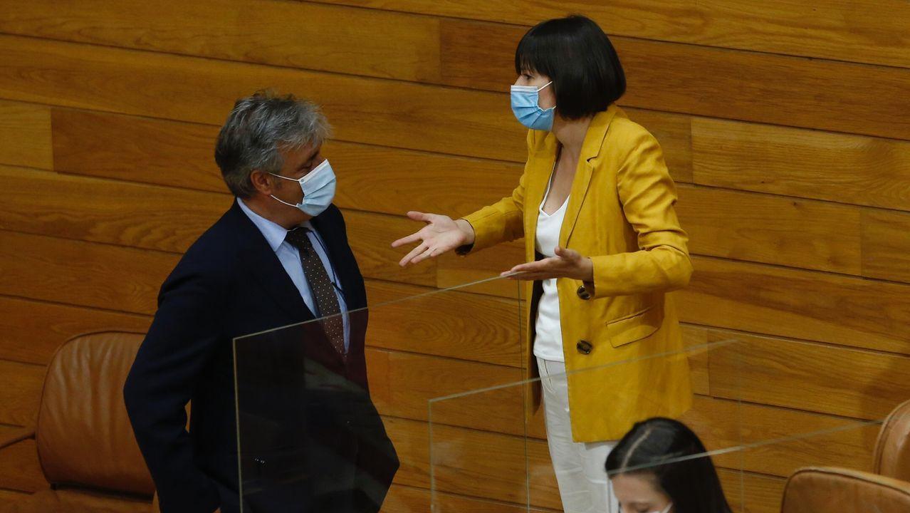 La legislatura supone una vuelta al tripartidismo que marcó la dinámica del  Parlamento gallego durante dos décadas, con representantes del Partido Popular, PSdeG y BNG