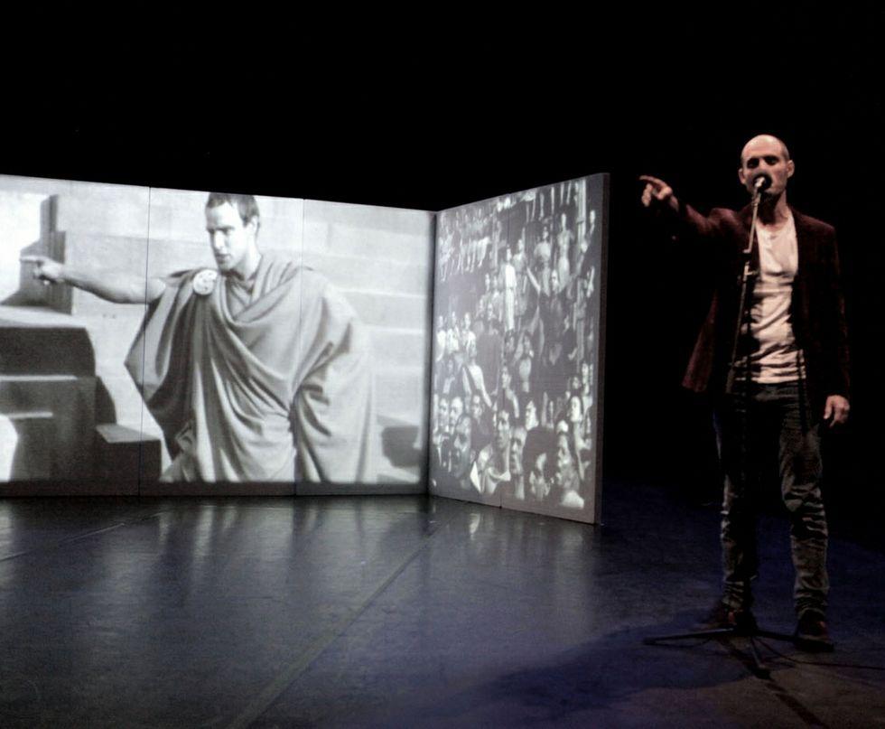 El Rey gallego de Hollywood.Oviedo Filarmonía ya ensaya la banda sonora original de «Vértigo», dirigida por Anthony Gabriele