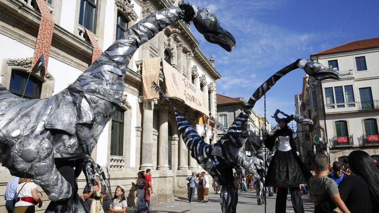 Búscate en la Feira Franca (álbum 1).La imagen de la plaza de España de Pontevedra abarrotada en las fiestas de la Peregrina difícilmente se repeitrá este año
