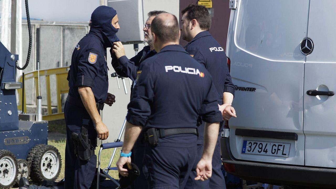 oIRA.Concentracion en Ourense de repulsa por los atentados de Barcelona y minuto de silencio por las víctimas