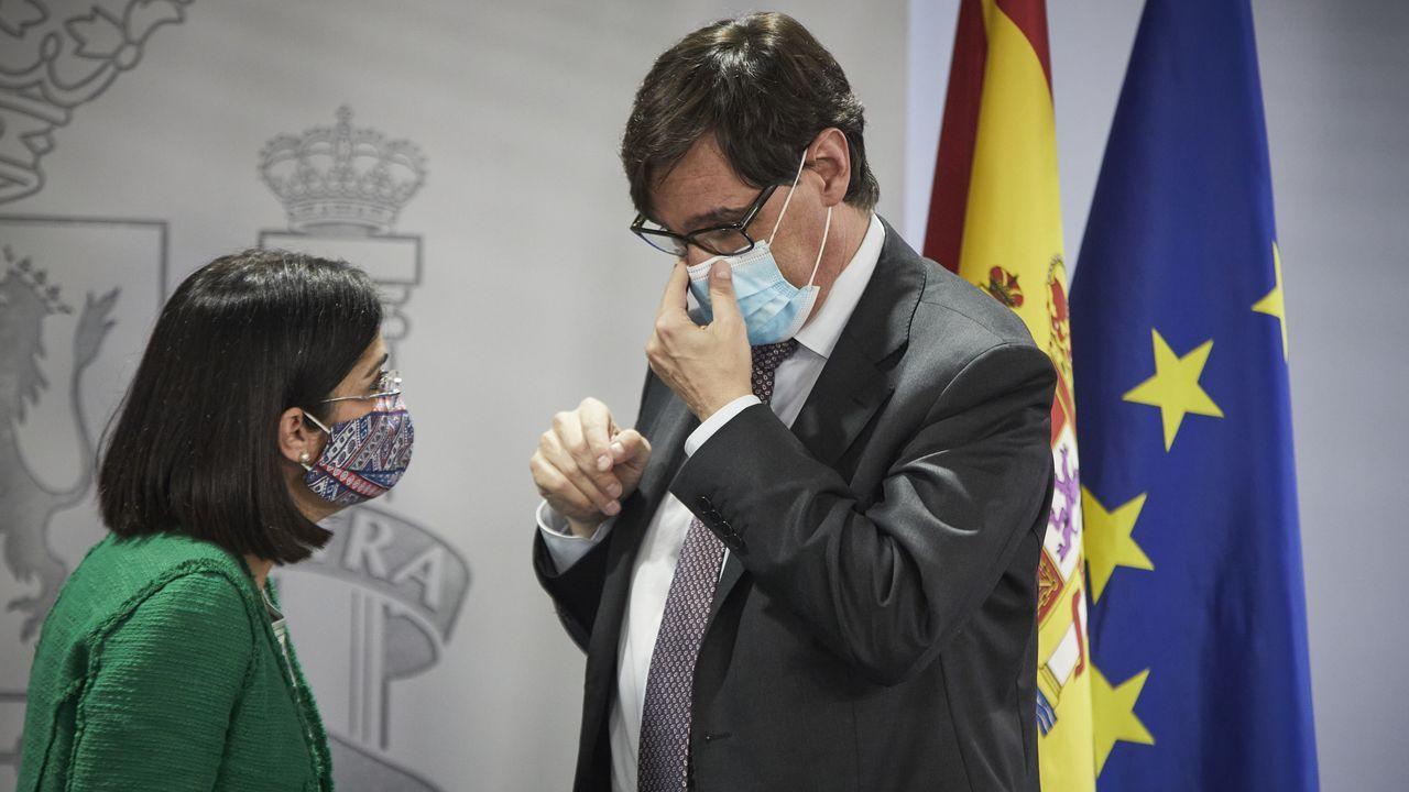 En directo: El conselleiro de Sanidade avanza las nuevas medidas del comité clínico.Test del coronavirus en el covid-auto del Ventorrillo, en A Coruña