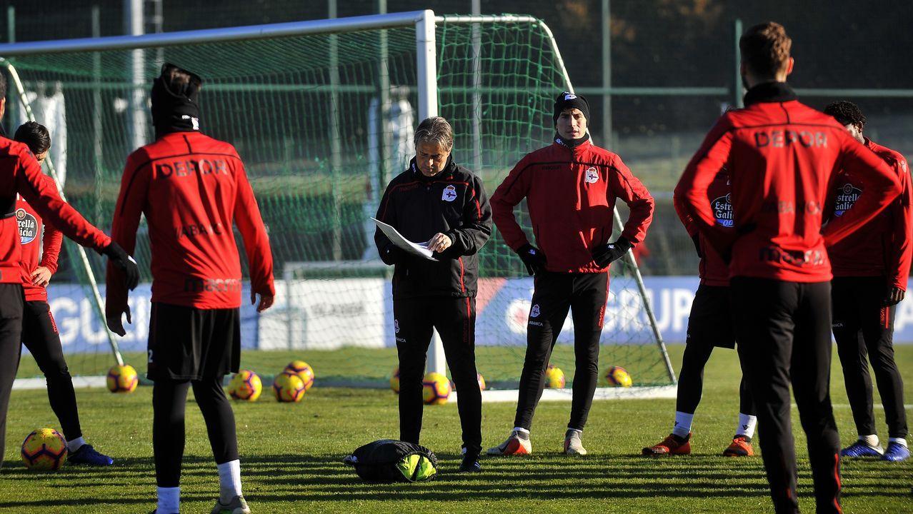 Entrenamiento del Deportivo bajo el sol de enero.Nahuel en un entrenamiento con el Deportivo