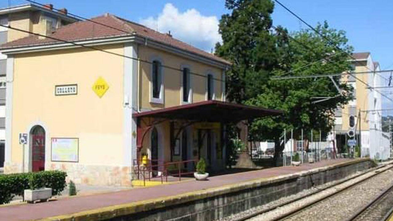 Estación ferroviaria de Colloto, una de las seis que Adif mejorará en cuanto a pasos entre andenes