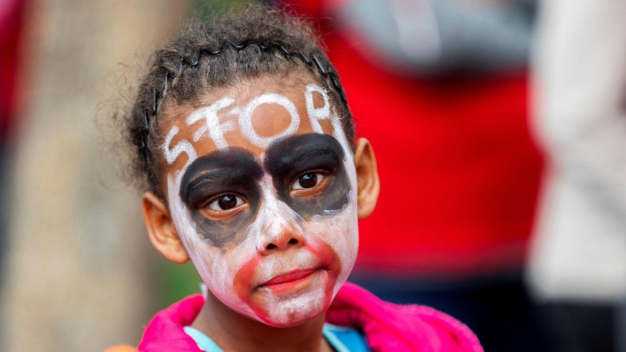 Una niña, contra el cambio climático en Ciudad del Cabo, Sudáfrica