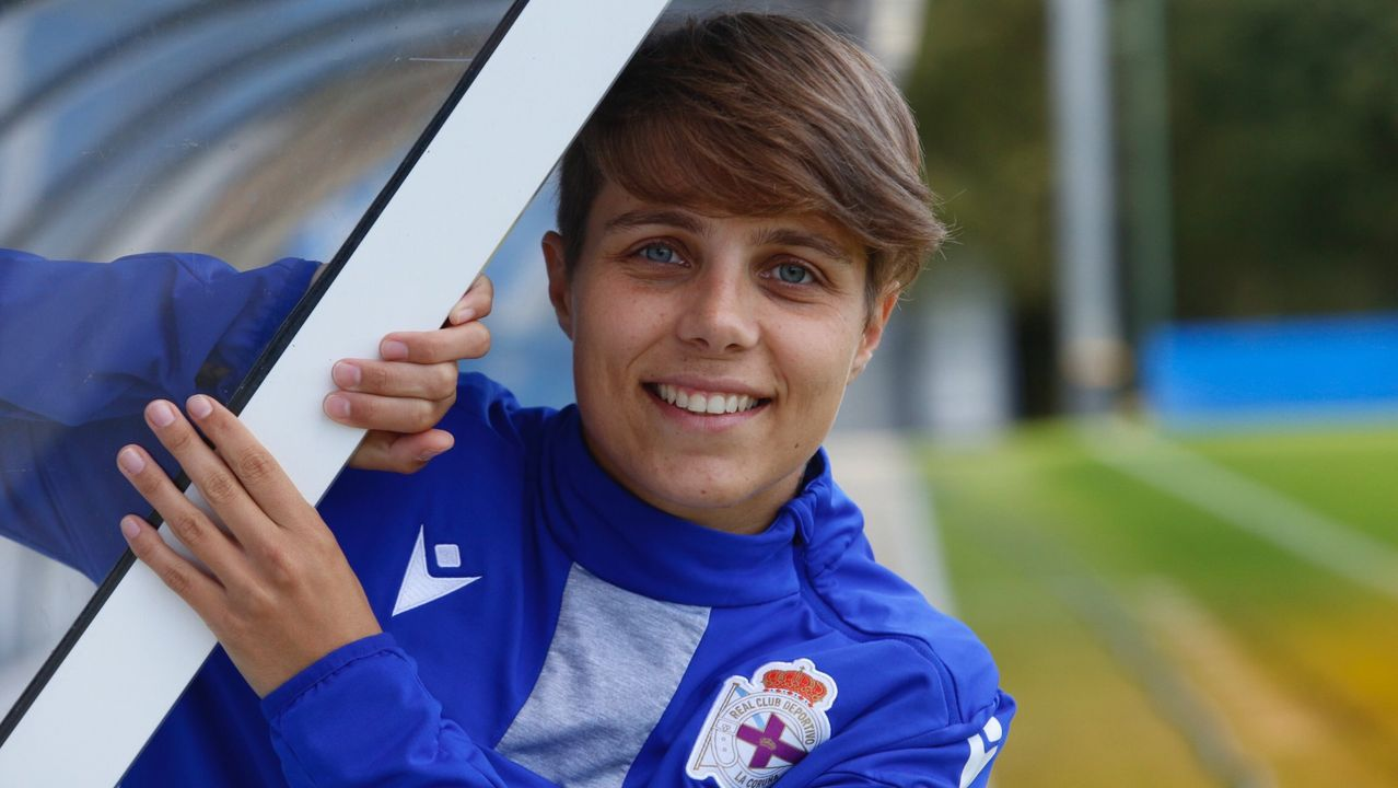 Lunin Real Oviedo Ponferradina Carlos Tartiere.Lunin realiza una parada ante la Deportiva Ponferradina