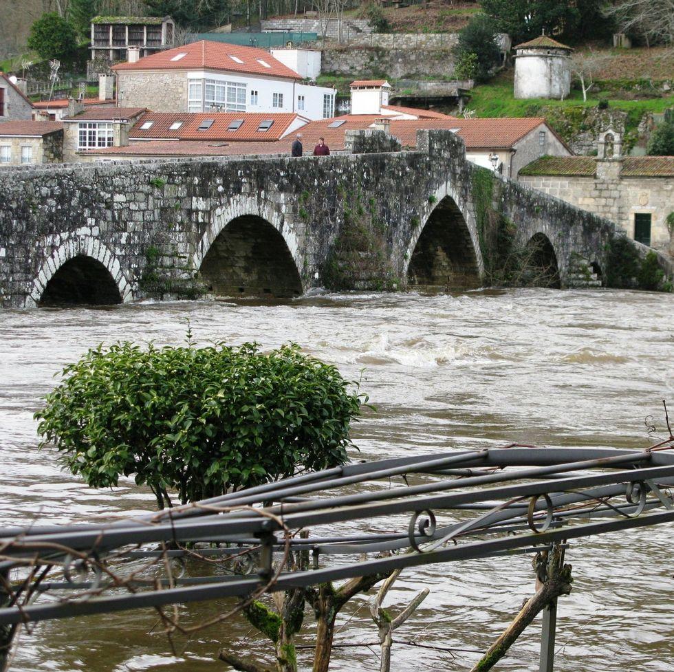 Los vecinos reclaman mejoras para la zona de A Ponte Vella.