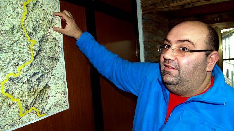 Gómez Besteiro recibiu no náutico de Doade aos primeiros usuarios da ruta, veciños de Negueira de Muñiz