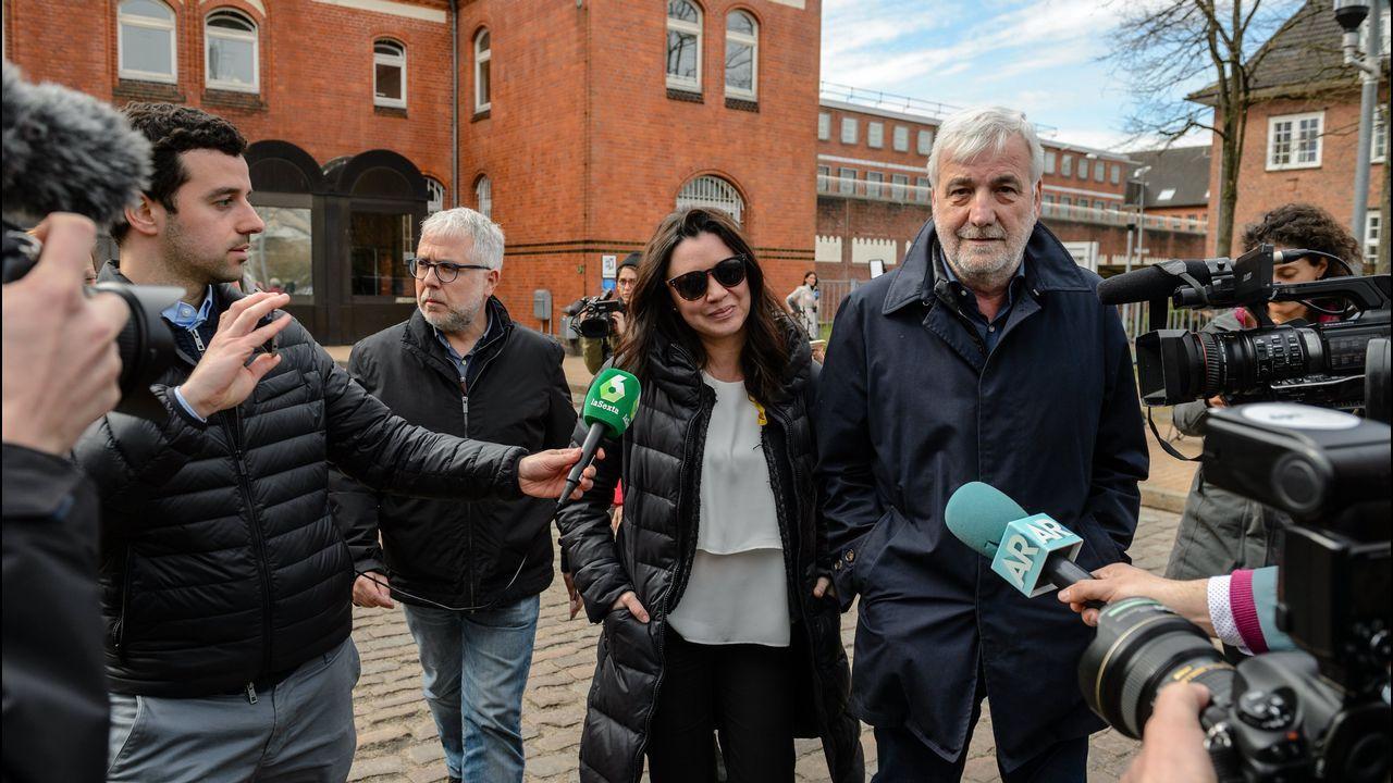 Rajoy: «Manifiesto mi apoyo y el del PP a la presidenta de la Comunidad de Madrid».La mujer de Puigdemont acudió ayer a la prisión de Neumünster para visitar a su marido