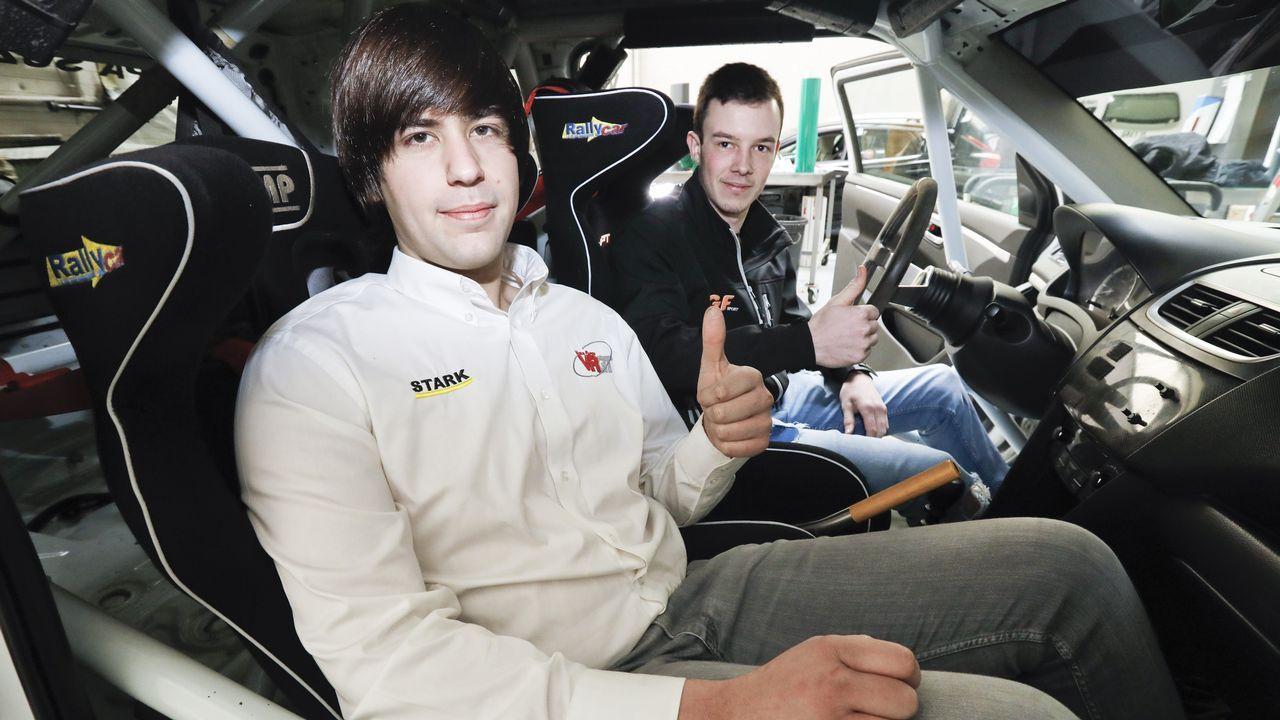 El piloto asturiano José Antonio Suárez «Cohete» y su copiloto Cándido Carrera, con su Hyundai i20