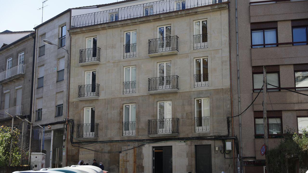 El nuevo hotel de cuatro estrellas de Ourense toma forma.Turistas en el casco viejo de Ourense