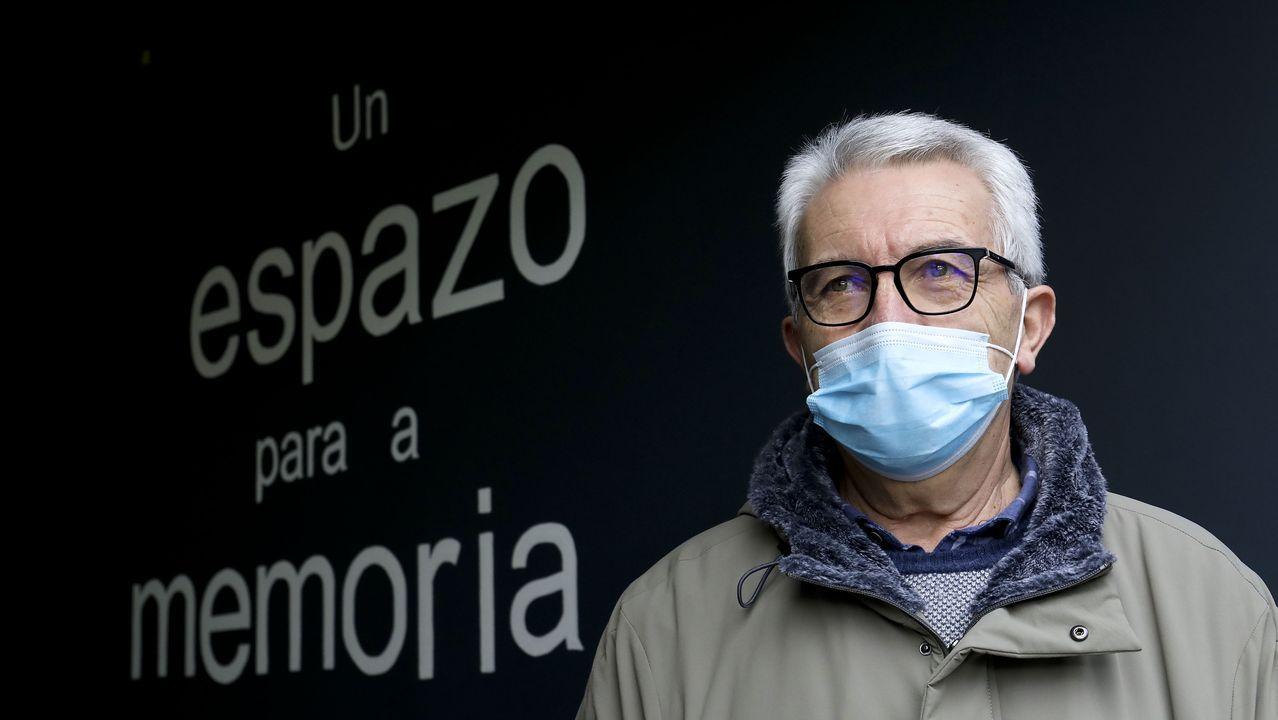 Ramón, cuida de su mujer, enferma de alzheimer, en Santiago de Compostela
