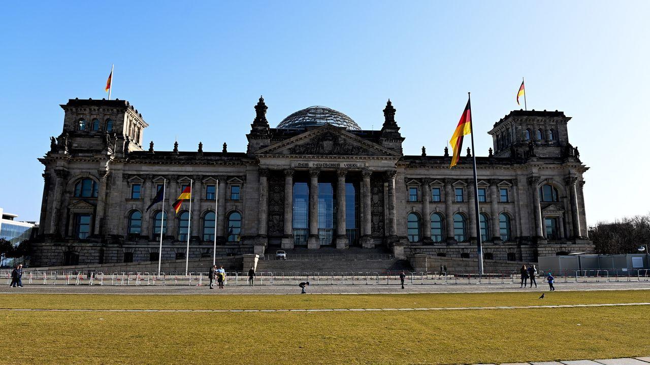 El agente suministró información sobre el Bundestag, el Parlamento federal germano.