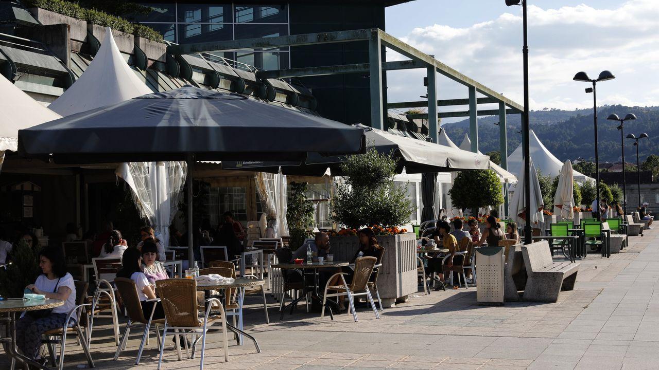 Terrazas en el centro comercial Ponte Vella