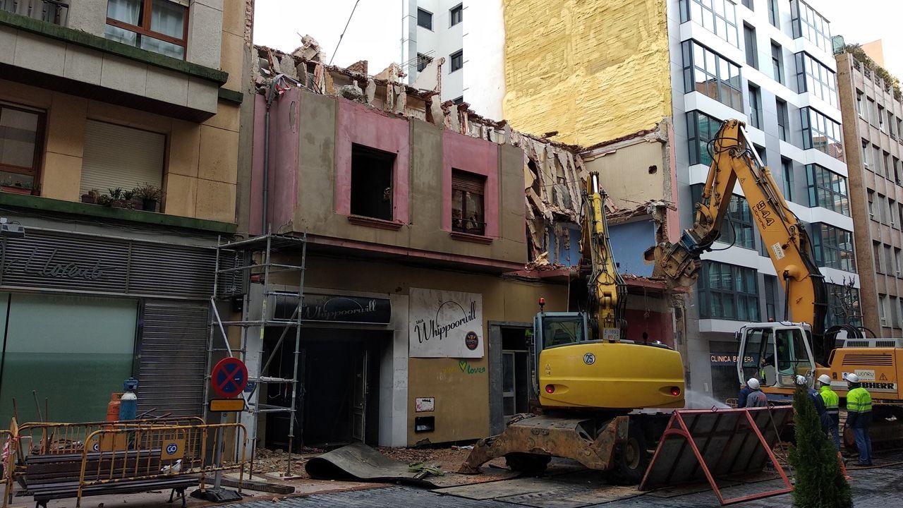 Derribo de la emblemática discoteca Whippoorwill, que abrió en los años 80