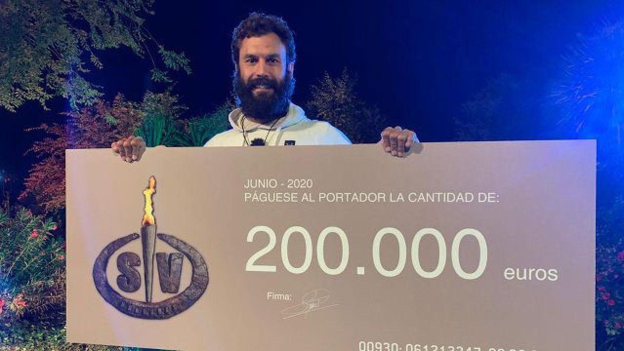 Así arrancará el año Xacobeo.Alejandro Iglesias, capitán do Deza (esquerda). Miguel Rodríguez, capitán do Baixo Miño (dereita)