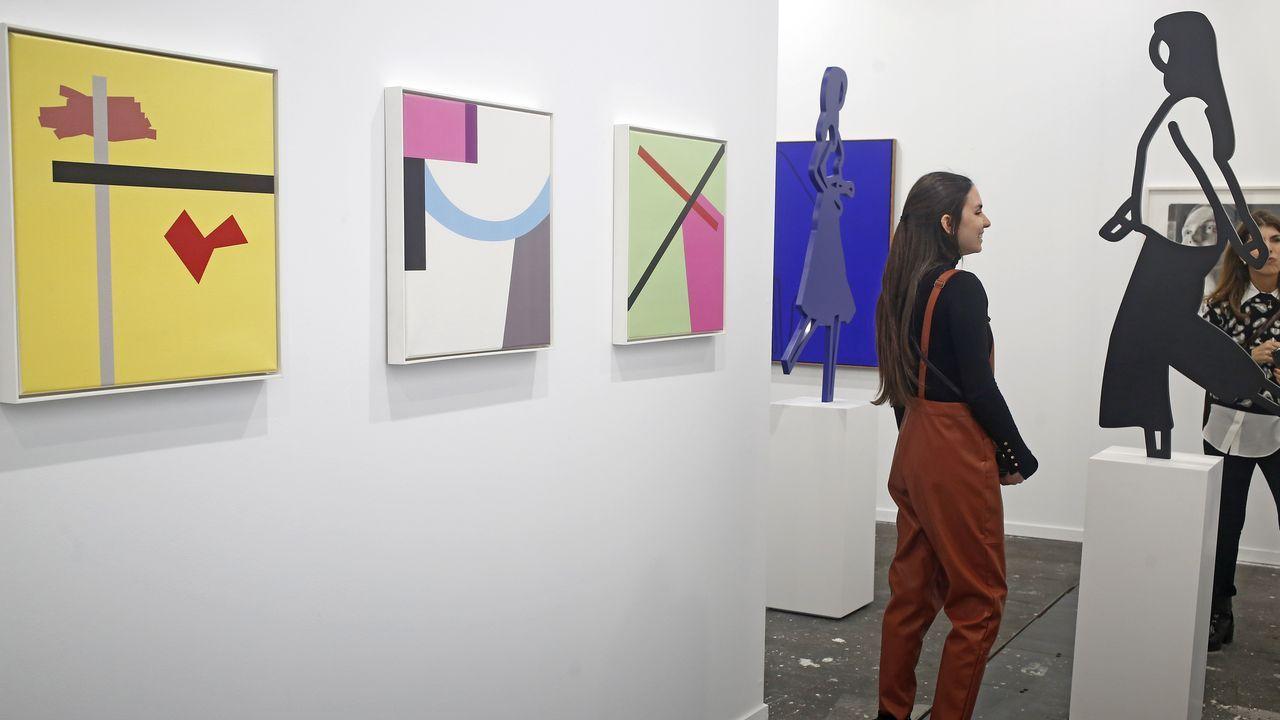 Tres estupendas pinturas de  Gerwald Rockenschaub y esculturas de Julian Opie en la vienesa Krobath