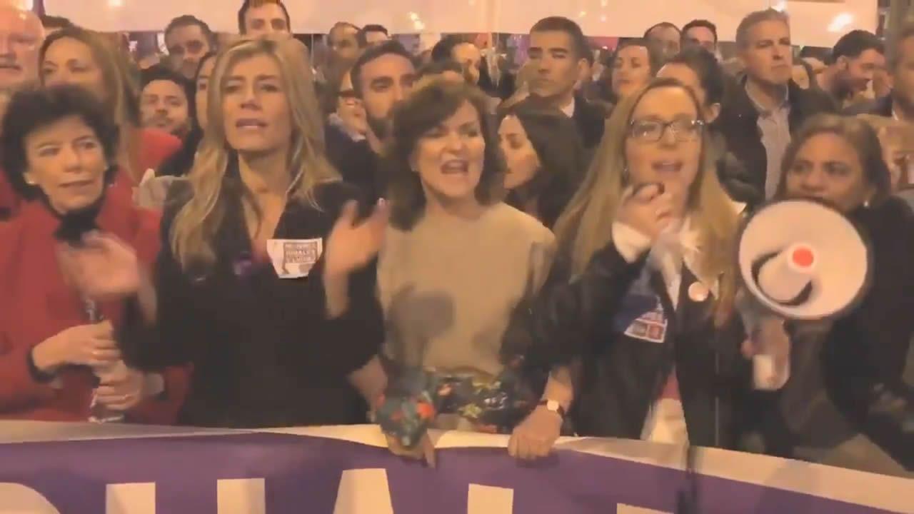 La mujer de Sánchez y las ministras socialistas el 8M: «¿Dónde están, no se ven, las banderas del PP?».Margallo, en su etapa como ministro de Exteriores