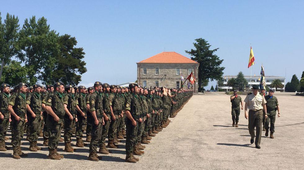 El general de brigada Luis Cebrián Carbonell, en su despacho de la base «General Morillo».