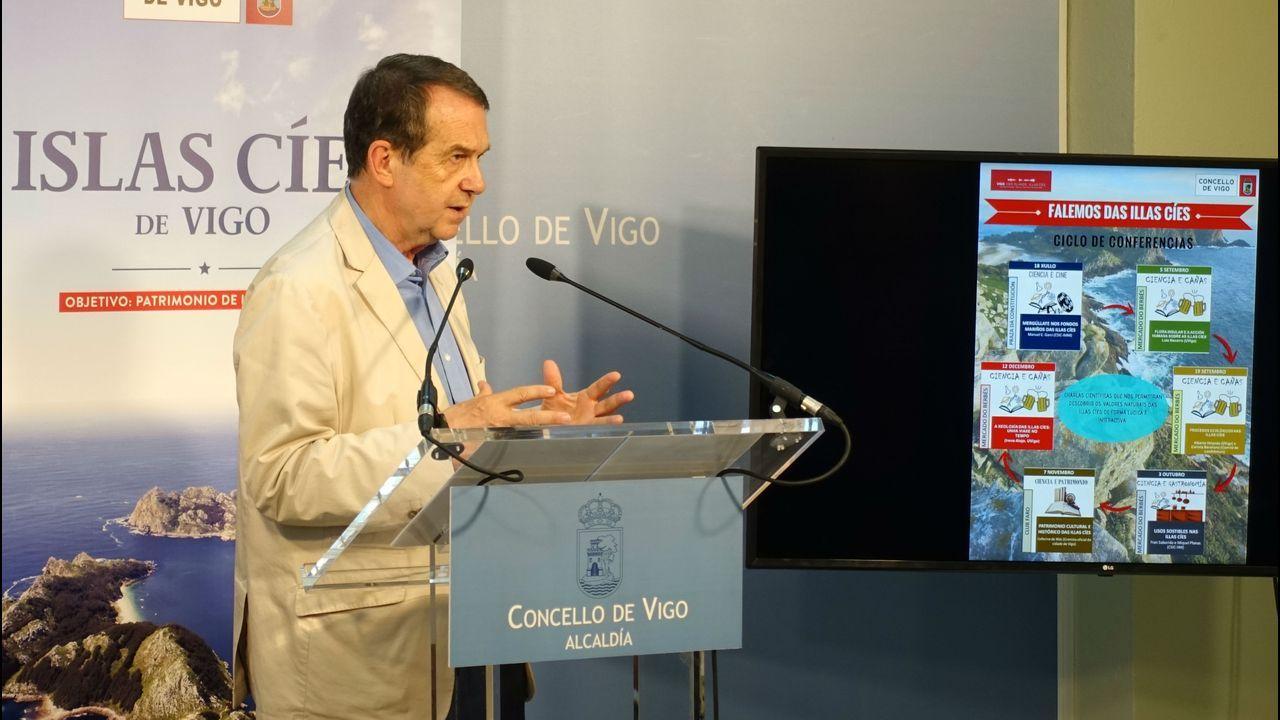 Concentración en Vigo por el triple crimen de Valga.Trevinca se convirtió en 2015 en el primer destino Starlight de turismo astronómico en Galicia
