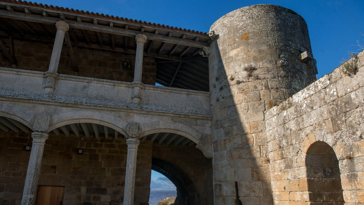 Castillo de Monterrei, Monterrei