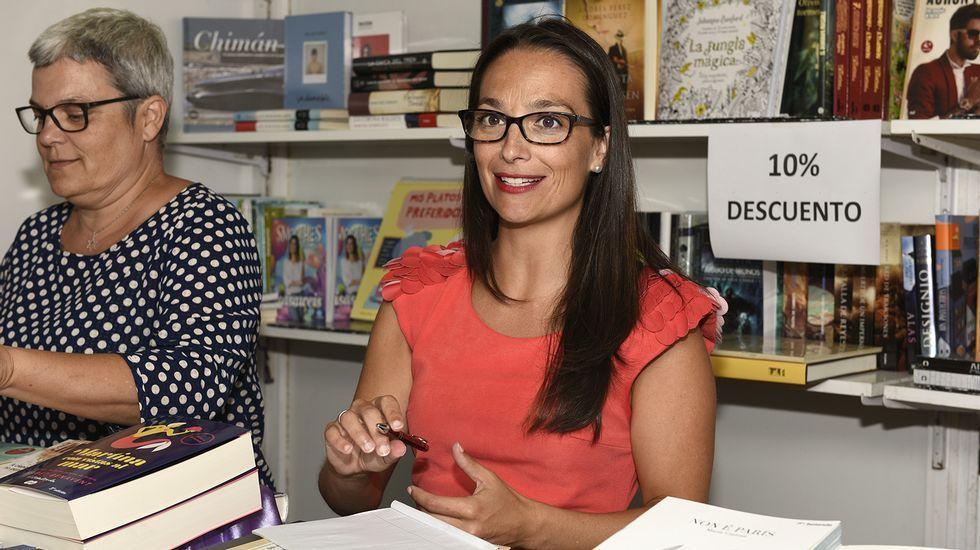 Firma de libros de María Canosa