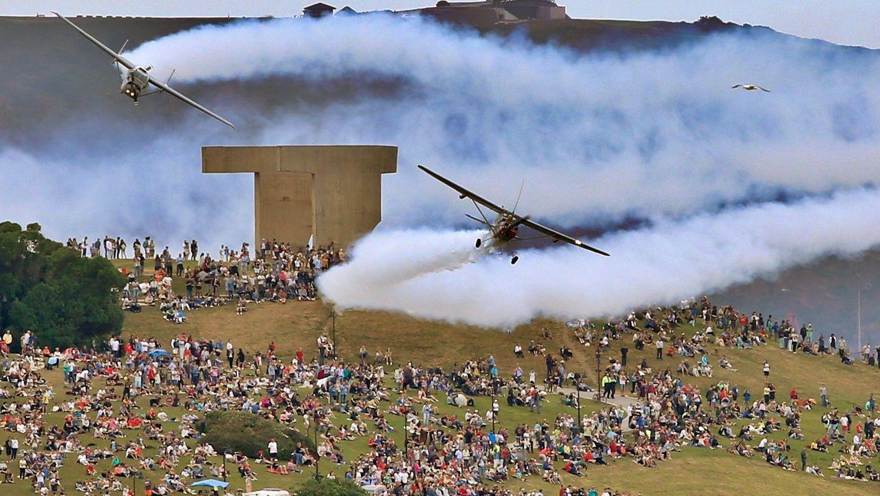 El cerro de Santa Catalina, hasta la bandera, el pasado fin de semana durante la exhibición del Festival Aéreo
