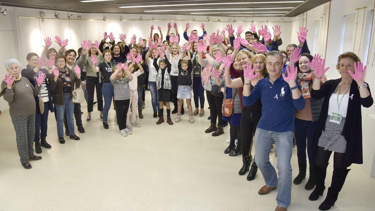 ¡Búscate en la andaina solidaria contra el cáncer de Boiro!