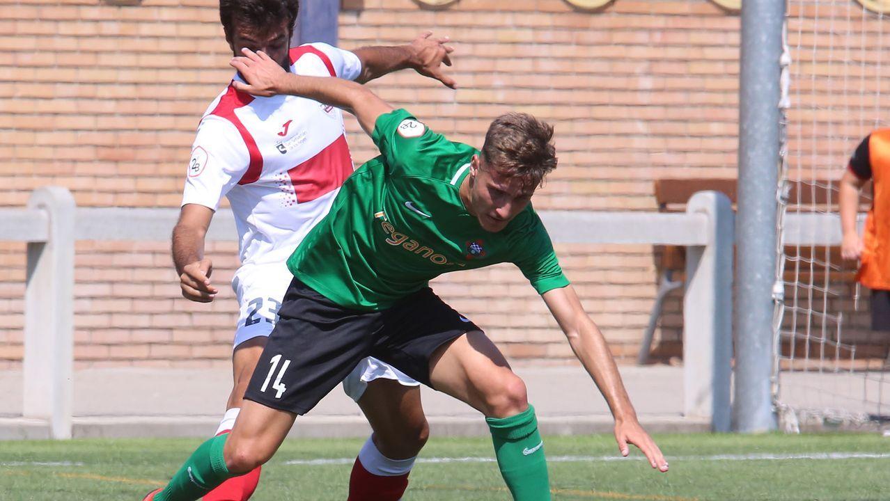 El Racing golea al Pontevedra en el derbi