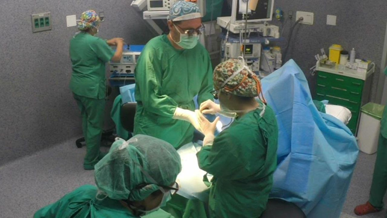 ¿Cómo realizar una reanimación cardiopulmonar en bebés y niños?