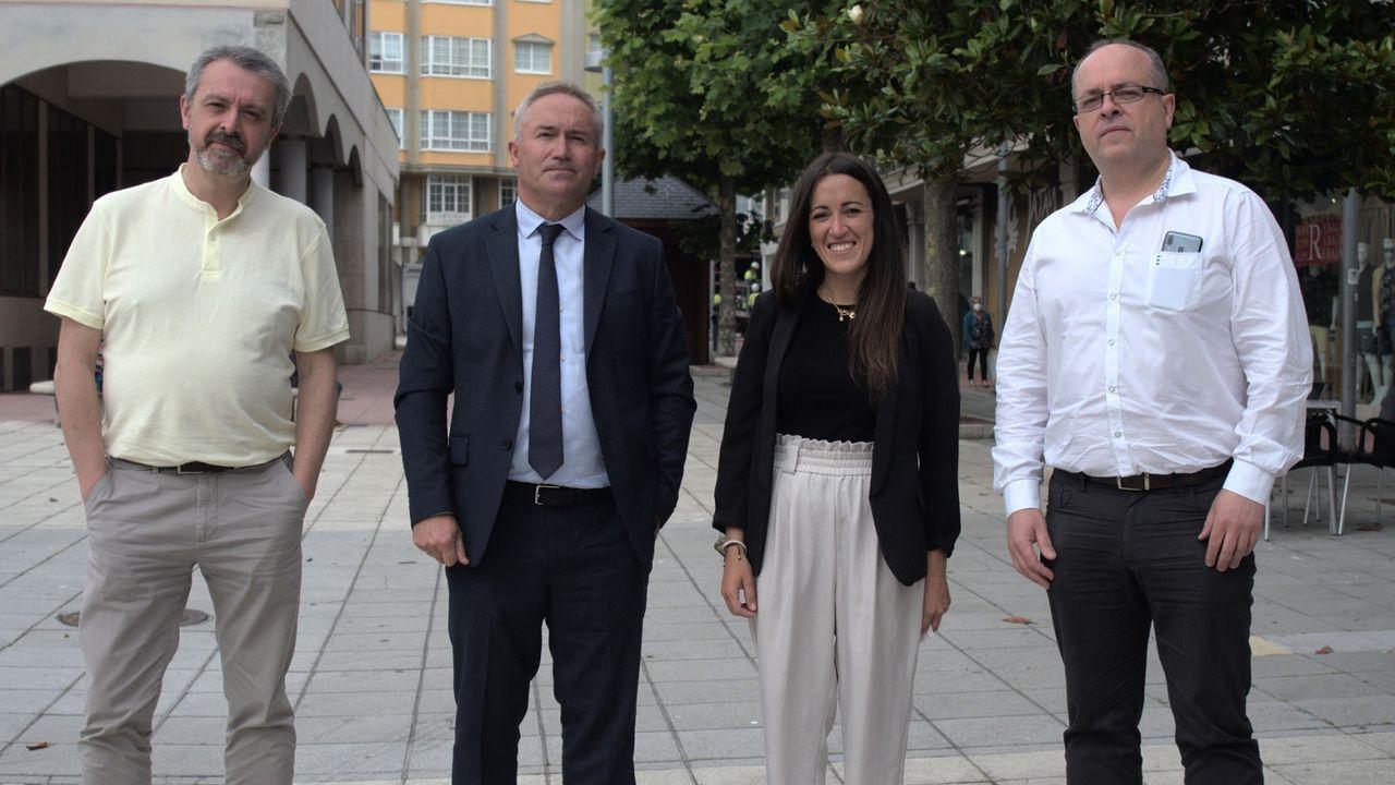 La corporación municipal de Viveiro aprobó este miércoles una moción de apoyo a la reivindicación del comité de Alcoa San Cibrao en la que se insta al Gobierno a cumplir los acuerdos en el Parlamento de Galicia y el Congreso de los Diputados para la intervención pública temporal de la planta
