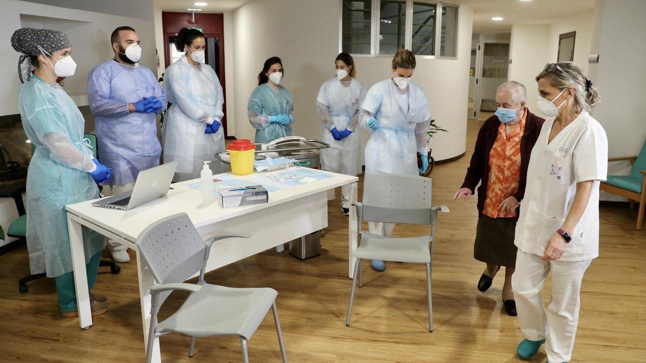 Una manada de lobos.Vacunación contra el covid-19 en Asturias
