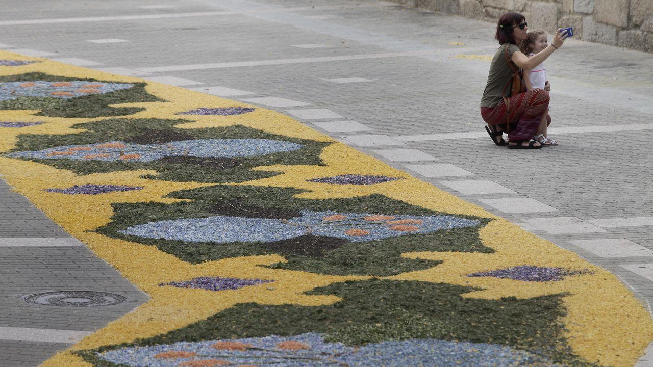 Alfombras florales en Boiro