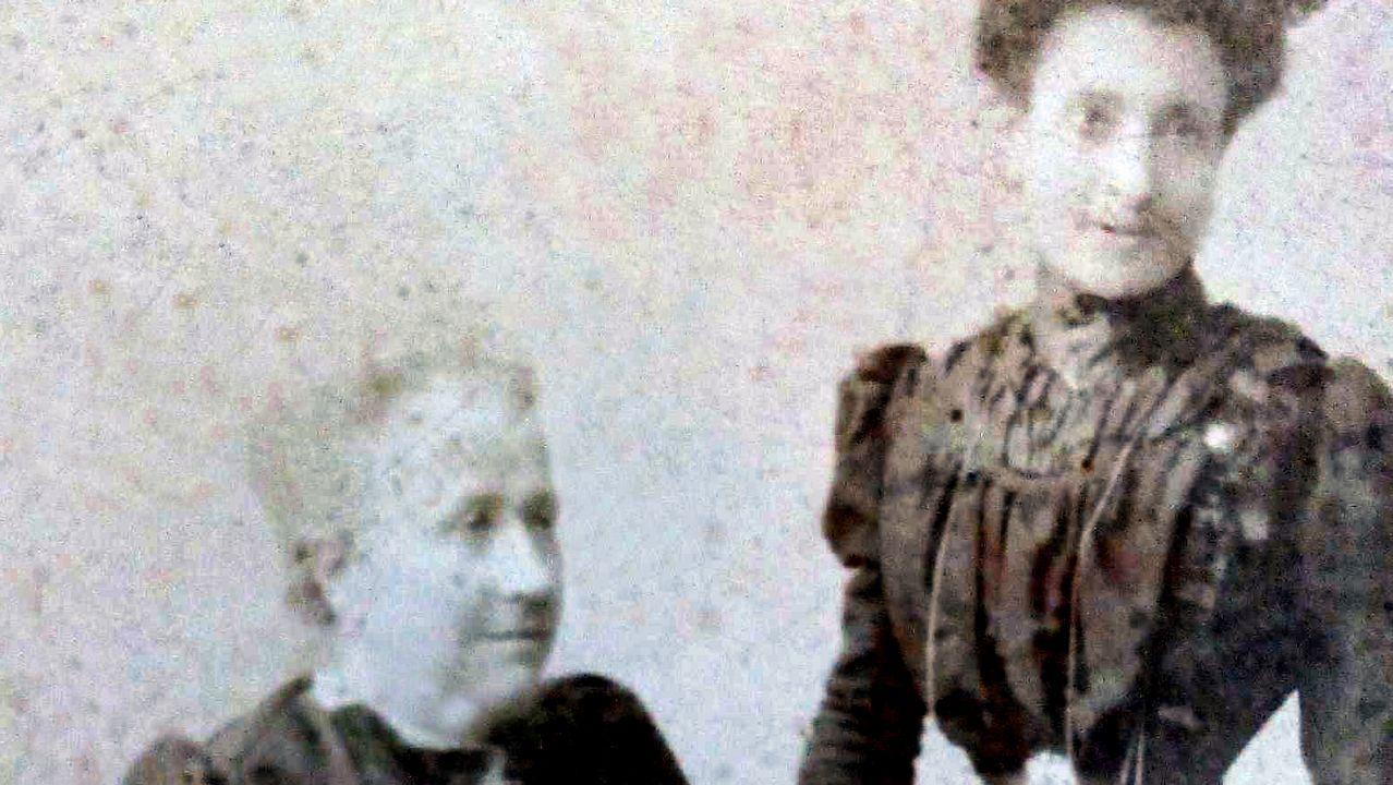 bisnieta.La abuela y la madre de Marcela Gracia Ibeas retratadas en A Coruña por José Sellier, el mismo fotógrafo que inmortalizó a Marcela y a Elisa (esta, caracterizada de hombre) el día de su boda en 1901. Fotografía cedida por Norma G. Moure