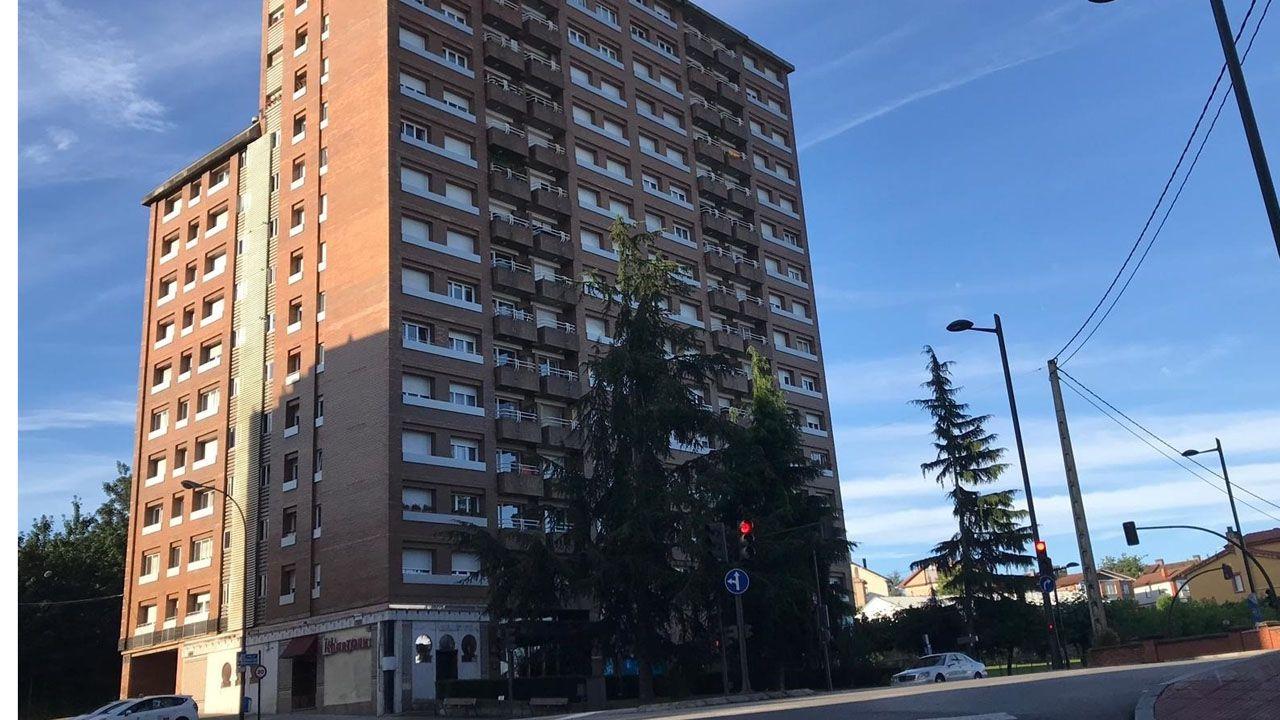 Un bloque de pisos
