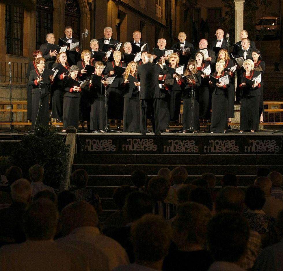 Ya es la segunda vez que el Orfeón de Mieres canta en Monforte.