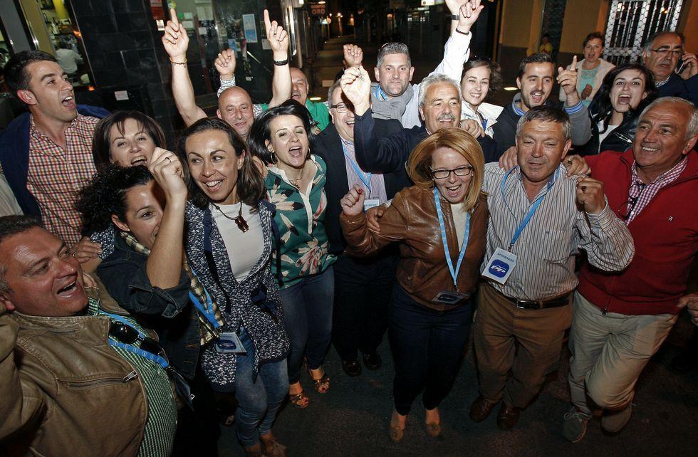 María Ramallo celebró con su candidatura el triunfo del Partido Popular en Marín el 24-M.