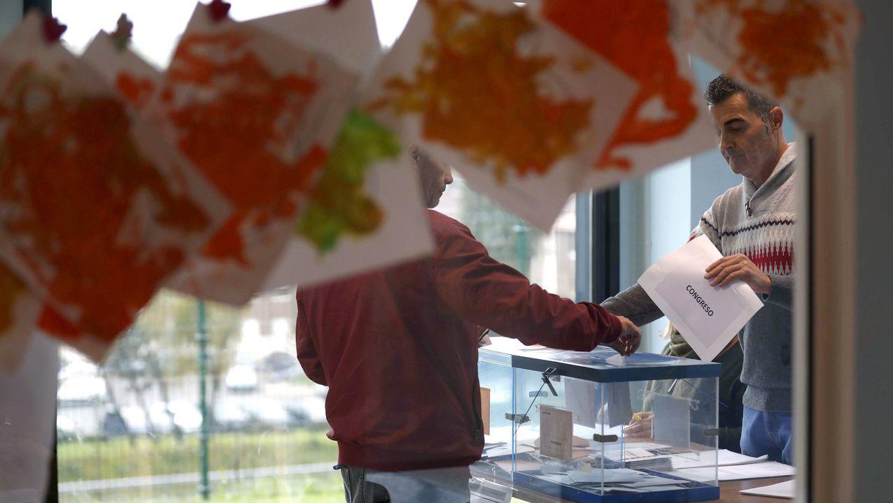 Aspecto de un colegio electoral de Oviedo en las elecciones generales del 2019