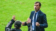Ziganda celebra la victoria del Real Oviedo en el derbi ante el Sporting