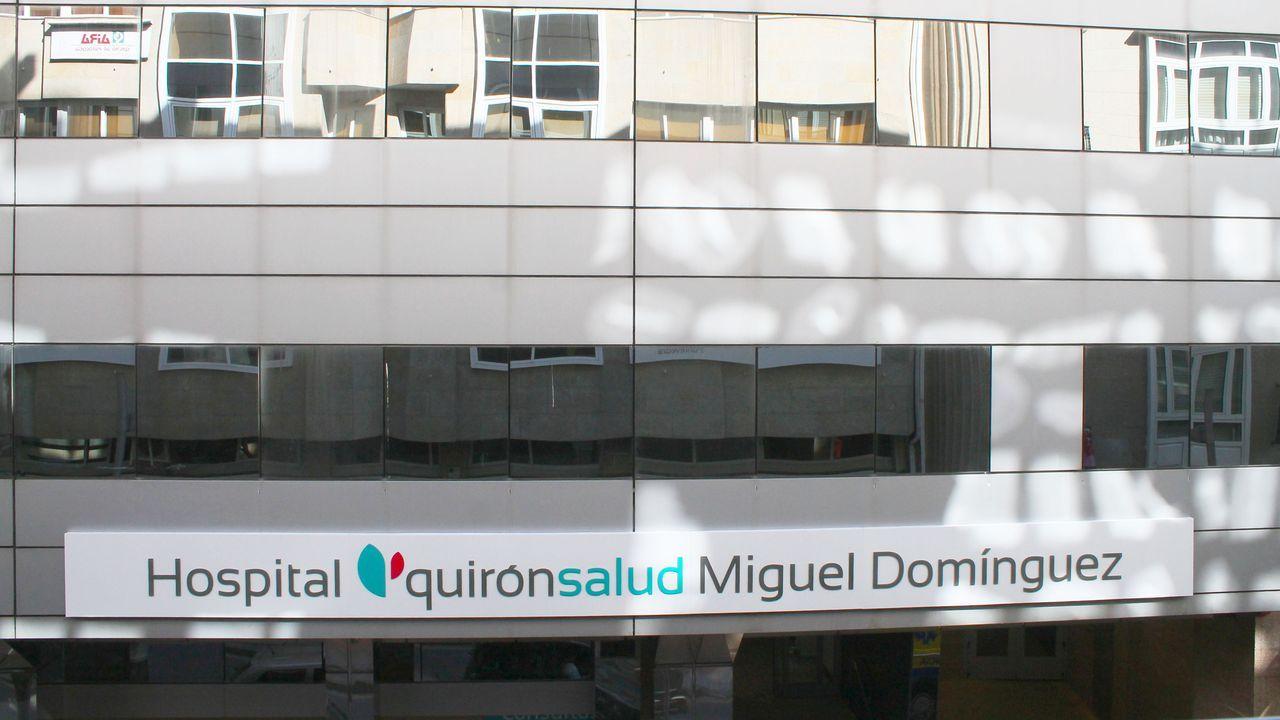 Galicia se pone la mascarilla.Un paciente se somete al estudio de seroprevalencia del coronavirus, en el centro de salud de El Cristo